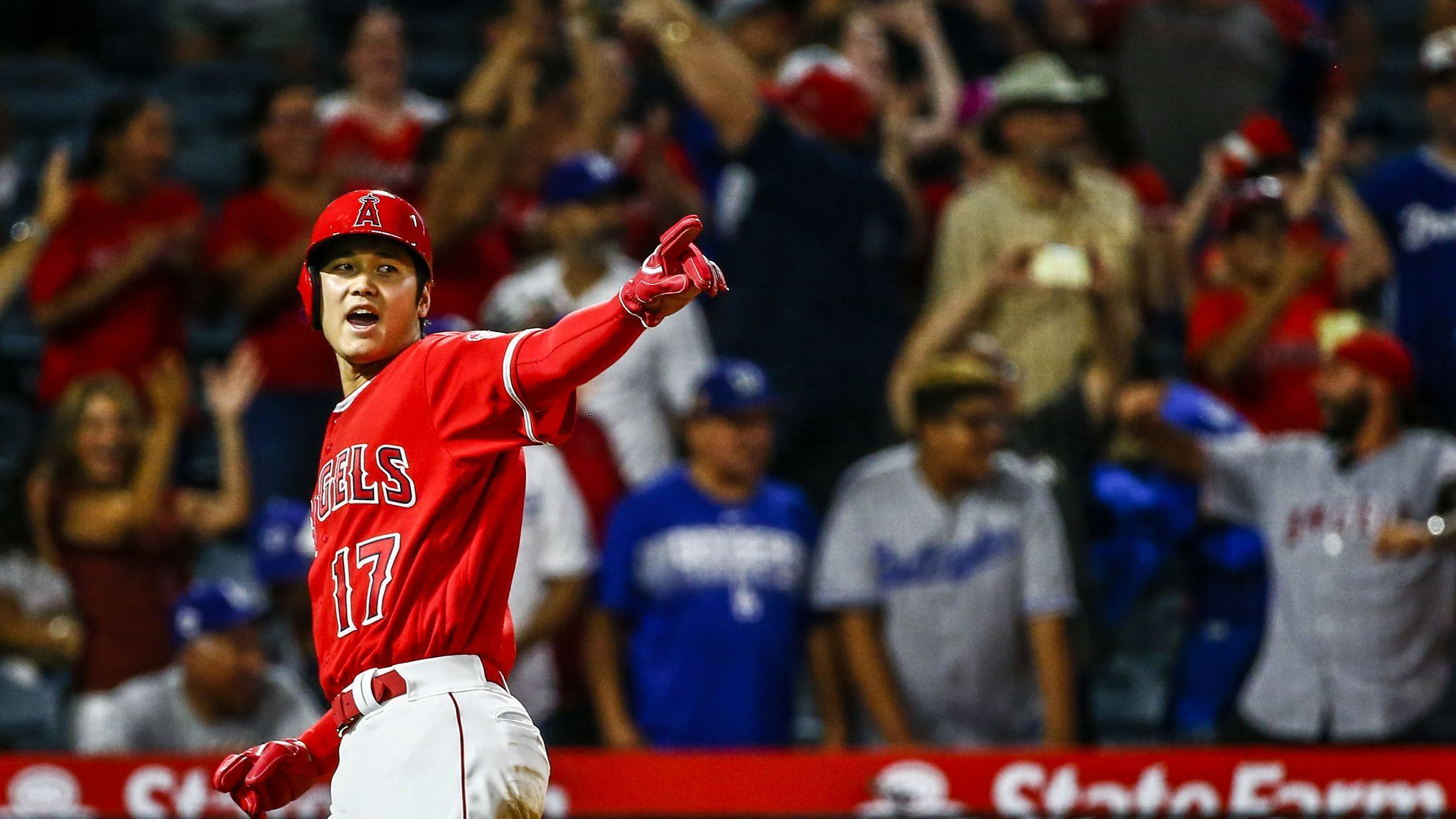 Angels rally in ninth inning in 3-2 victory over Dodgers