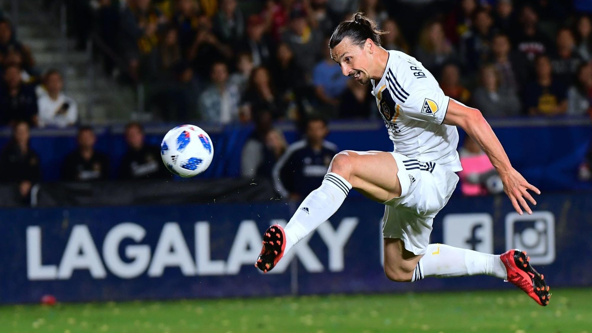Galaxy take control in 4-0 shutout win over Columbus Crew