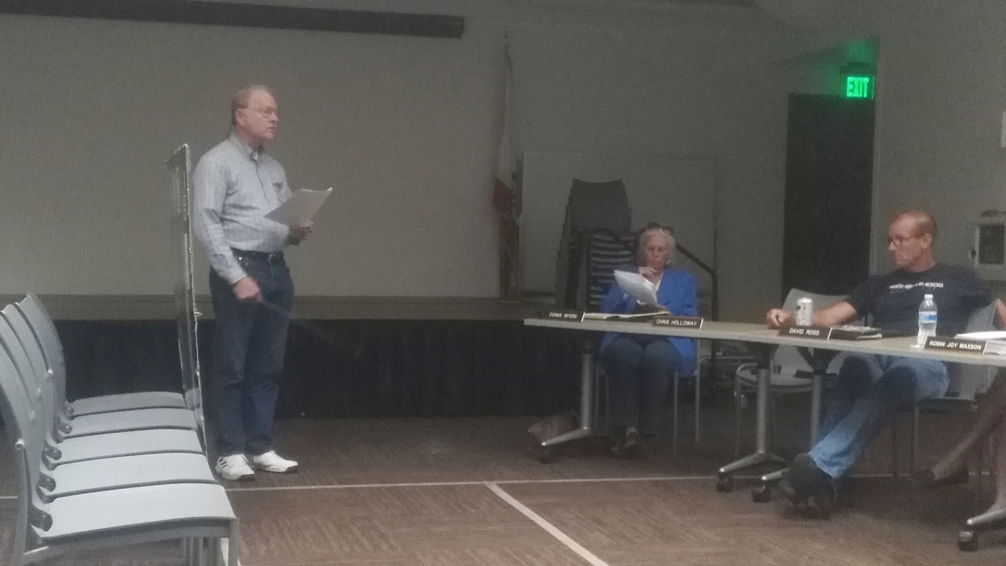 Ramona resident Ken Brennecke shares his vision for a 10-acre botanical garden near Boundary Avenue and Ramona Street with Ramona Community Planning Group members.
