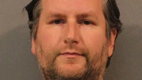 Dyer man accused of offering to buy underage girl on Twitter | Chicago Tribune