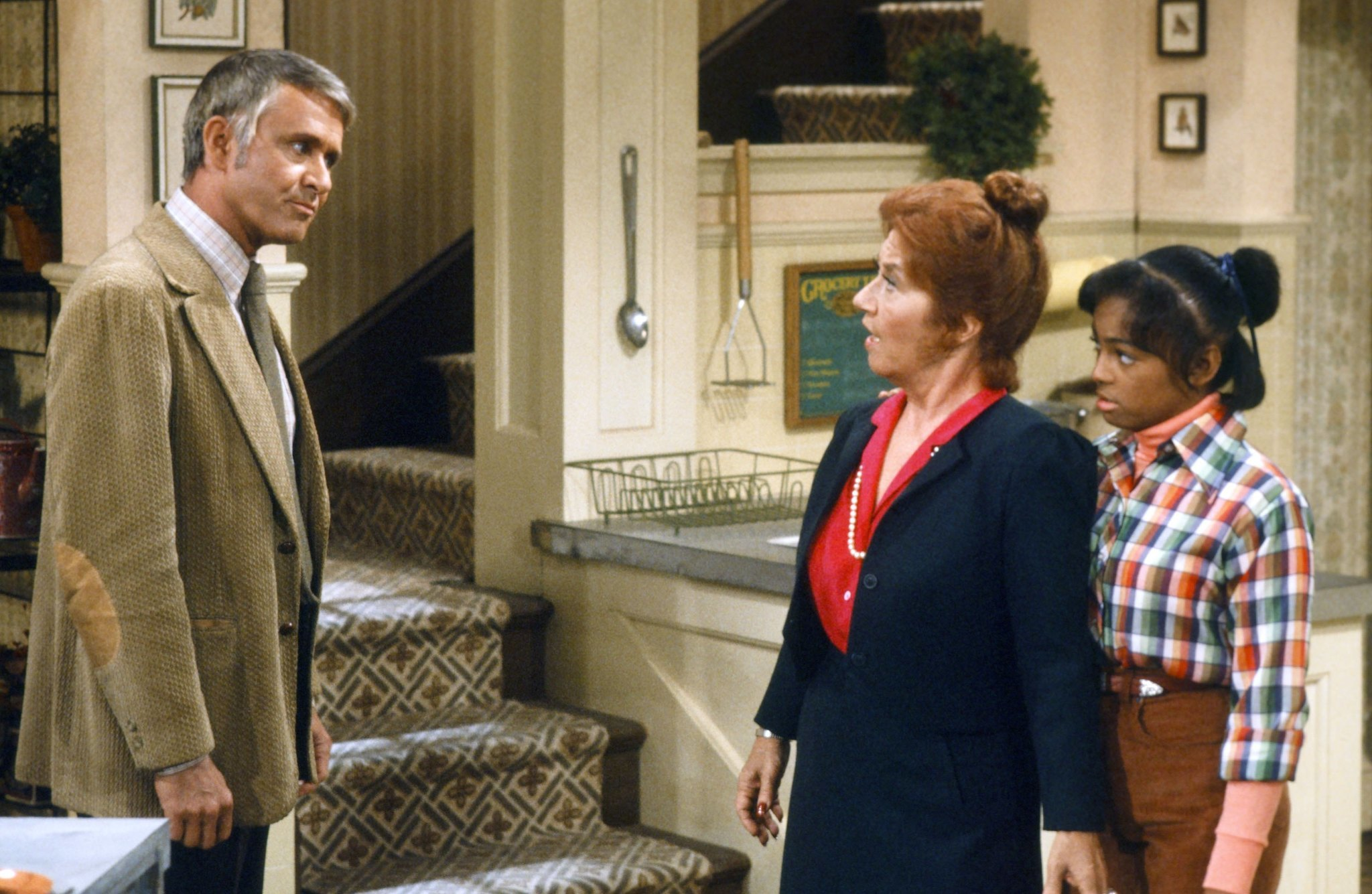Roger Perry, 'The Facts of Life' and 'Harrigan and Son' actor, dies at 85
