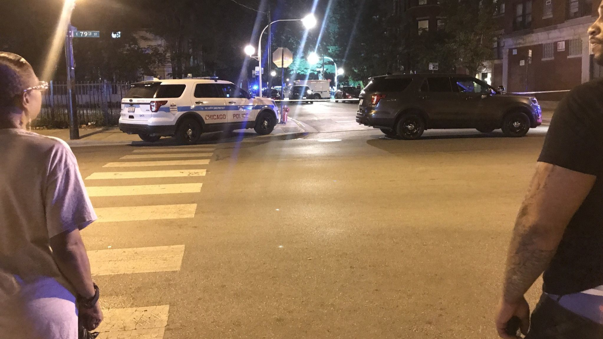 Man in custody after exchanging gunfire with police in South Chicago | Chicago Tribune
