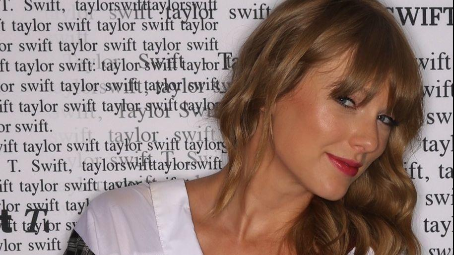 Taylor Swift at Lincoln Financial Field