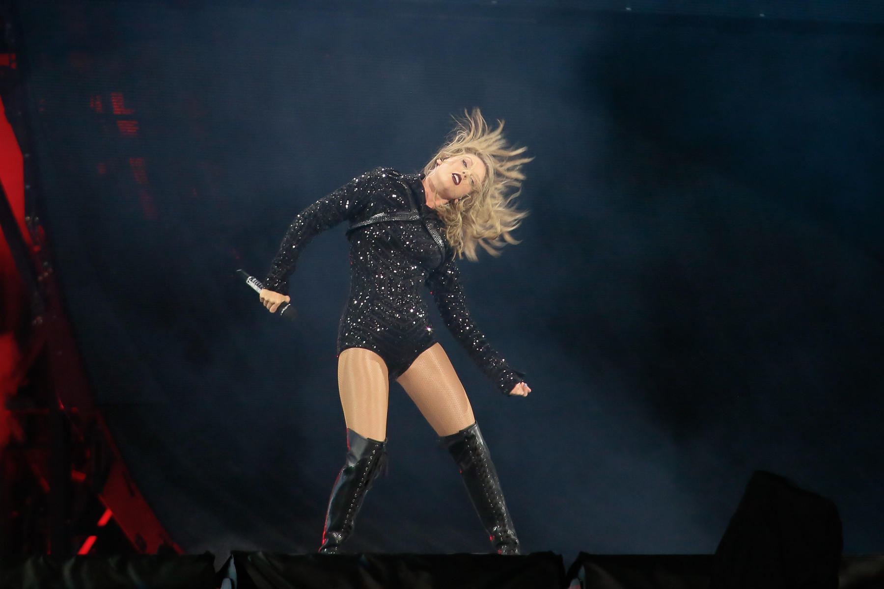 Taylor Swift performs at Philadephia's Lincoln Financial Field on July 13