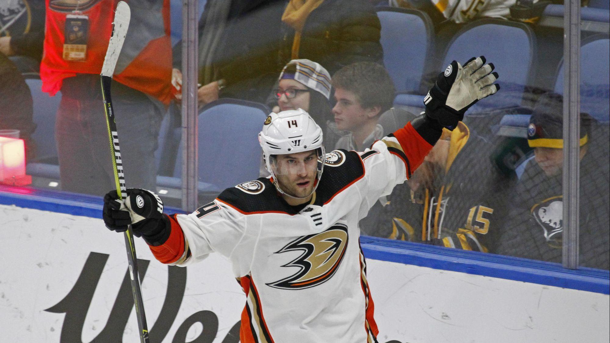 Ducks and Adam Henrique agree to a five-year extension worth $29 million