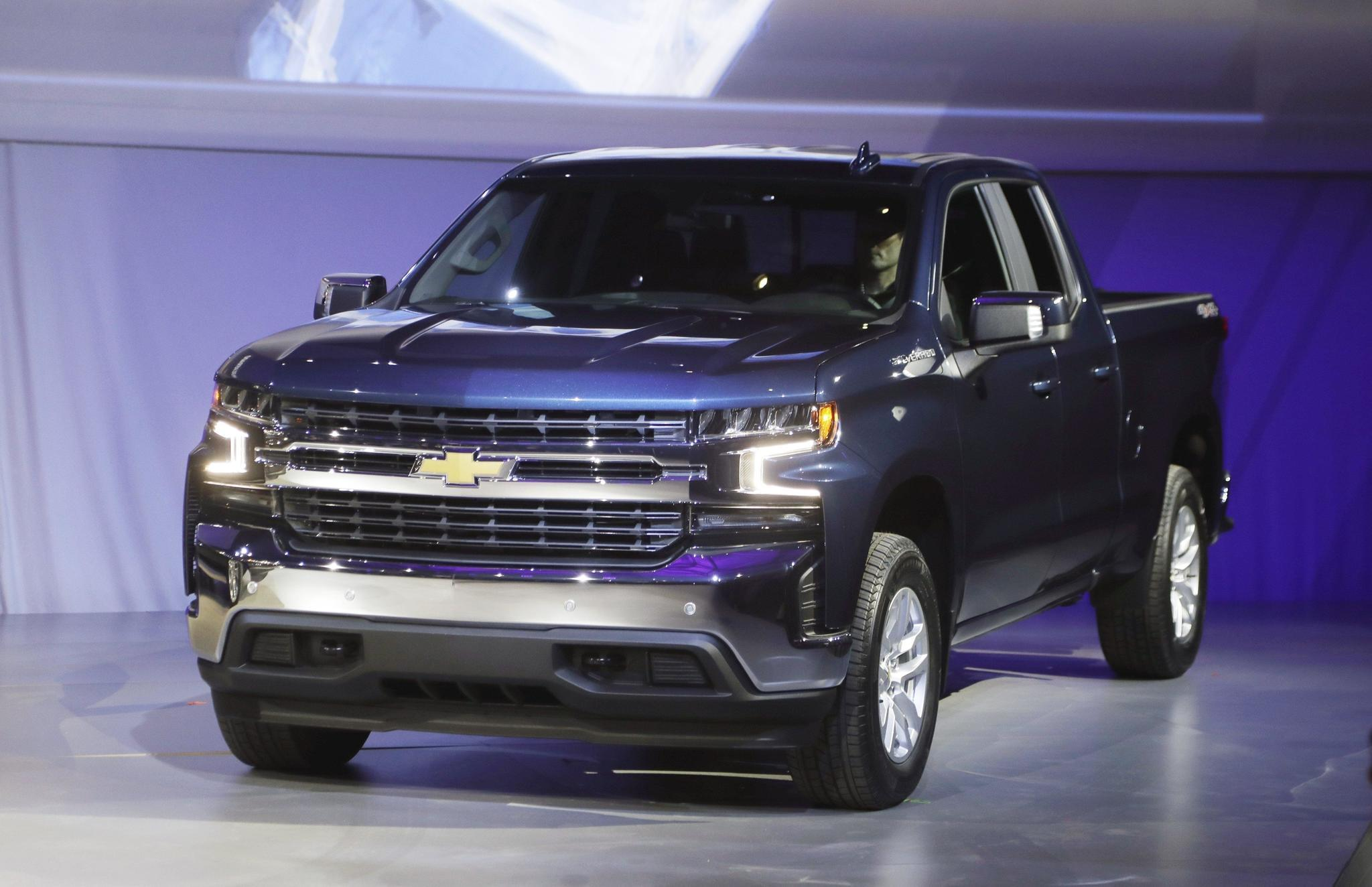 General Motors picks up market share in pickup truck war with Ford, FCA -  Chicago Tribune