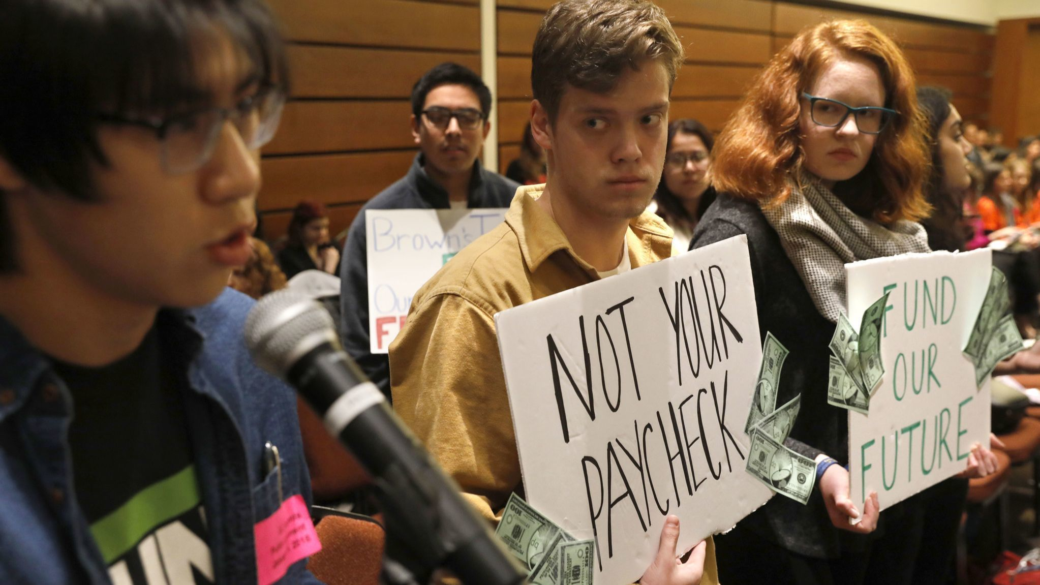 UC regents to vote on first tuition decrease in nearly 20 years | Los Angeles Times