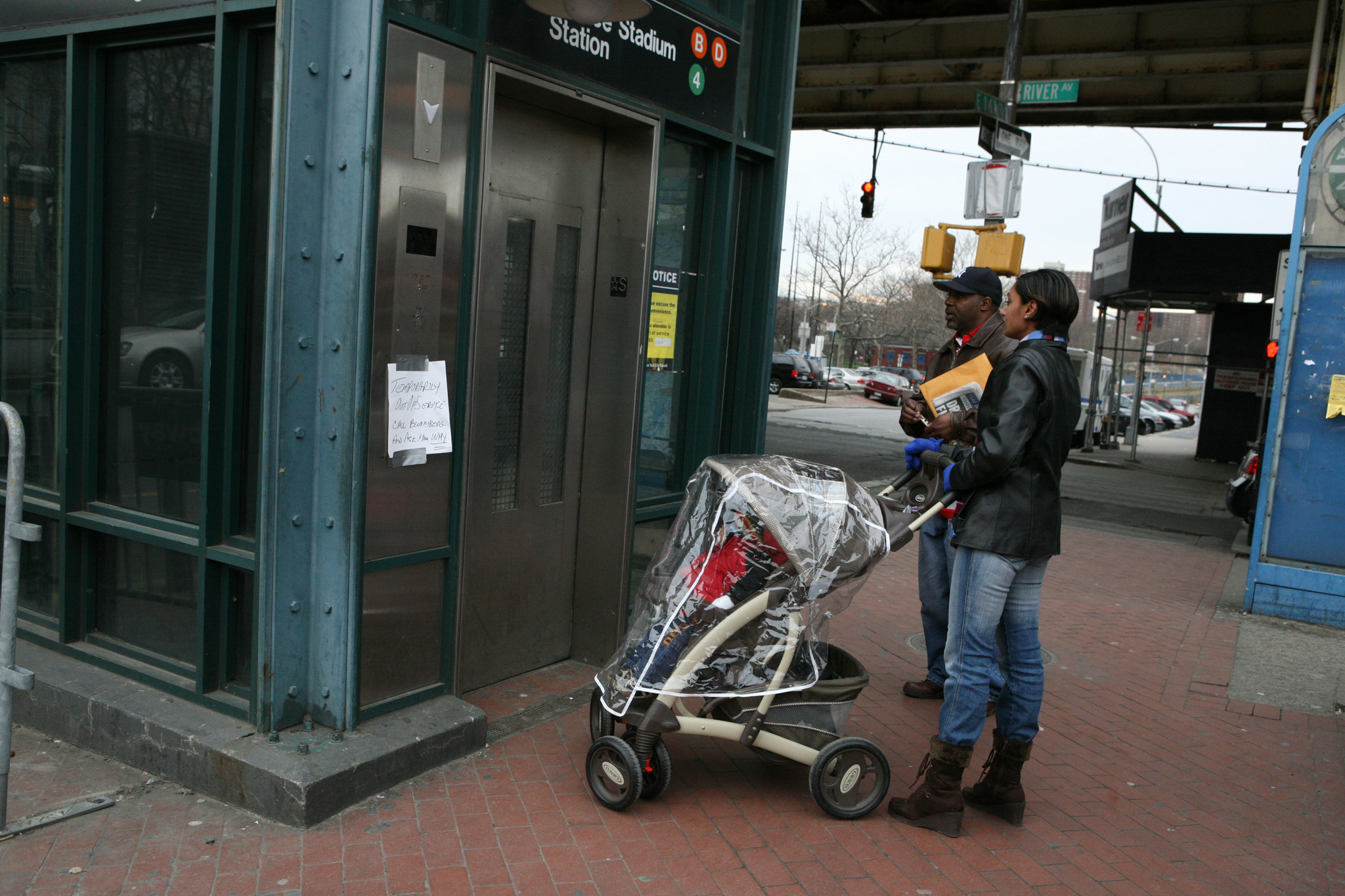 Half of city neighborhoods with subway stations don't have stops with elevators | New York Daily News