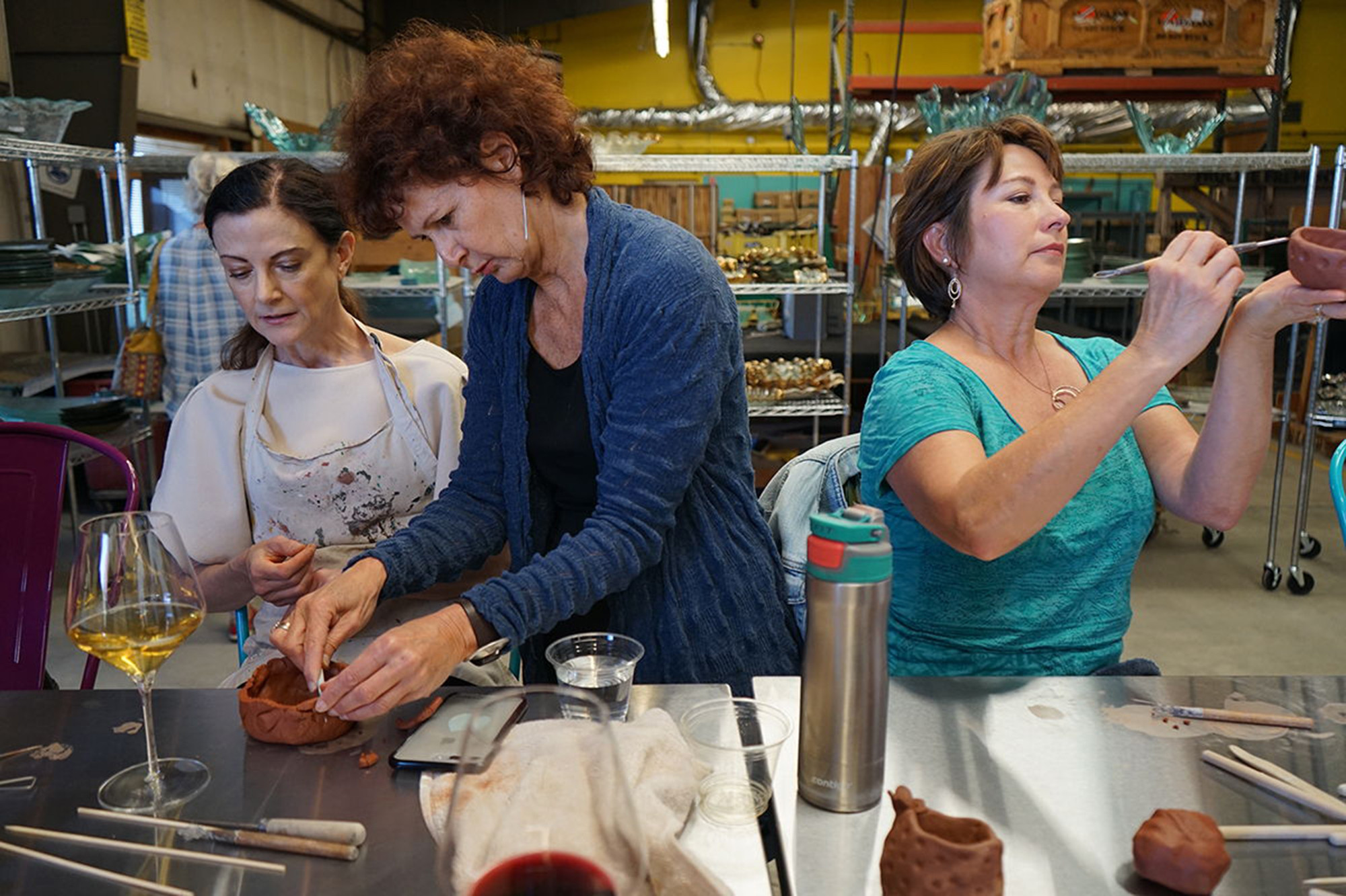 Annieglass offers weekend Craftbar classes with wine.