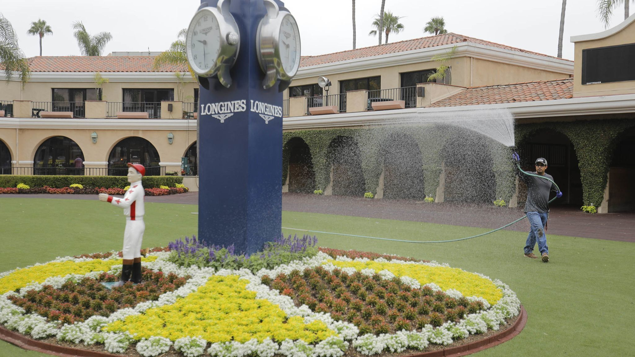 Parti-mutuel workers get new agreement, won't strike at Del Mar | San Diego Union Tribune