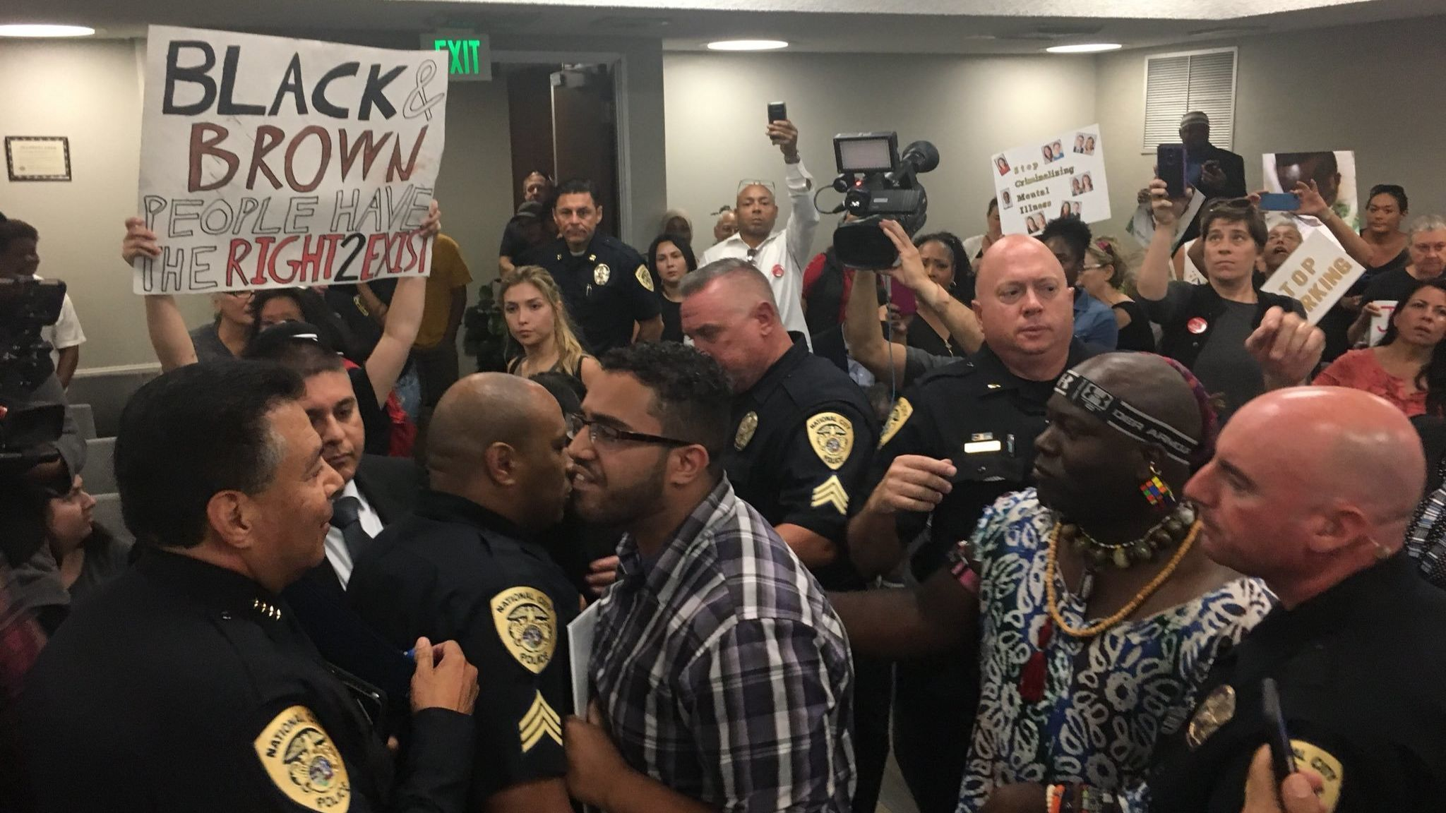 Protesters disrupt third consecutive City Council meeting in National City | San Diego Union Tribune