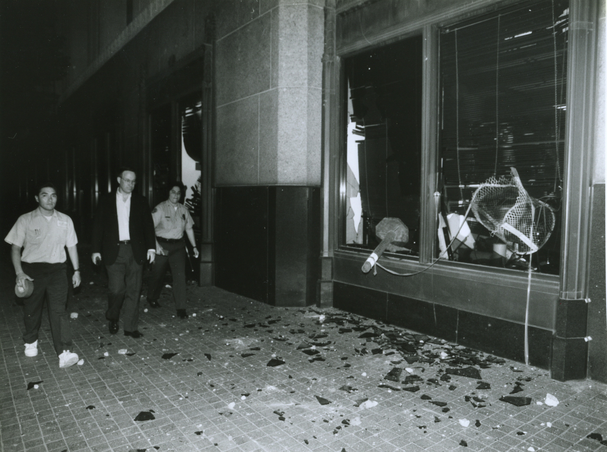 4–29–1992 Broken out windows of the Los Angeles Times building on Spring Street south of 1st Street.