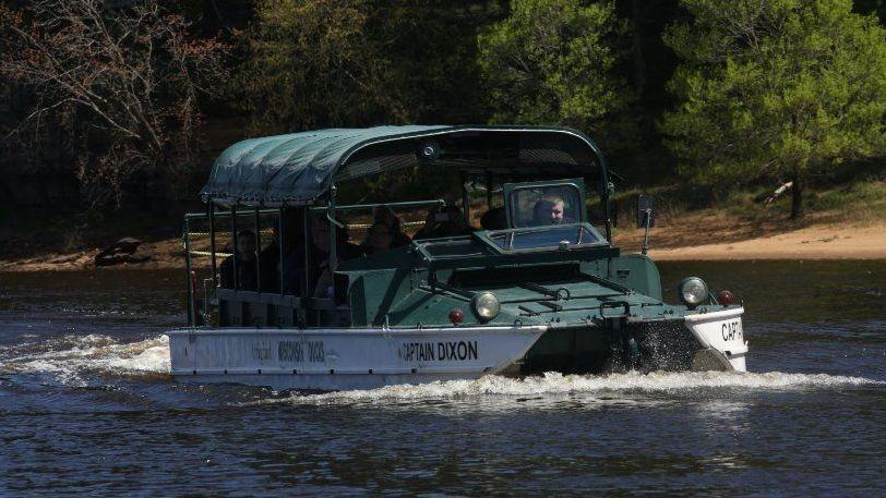 Duck Boat Operators In Wisconsin Dells Not Changing Safety Procedures After Branson Tragedy Chicago Tribune