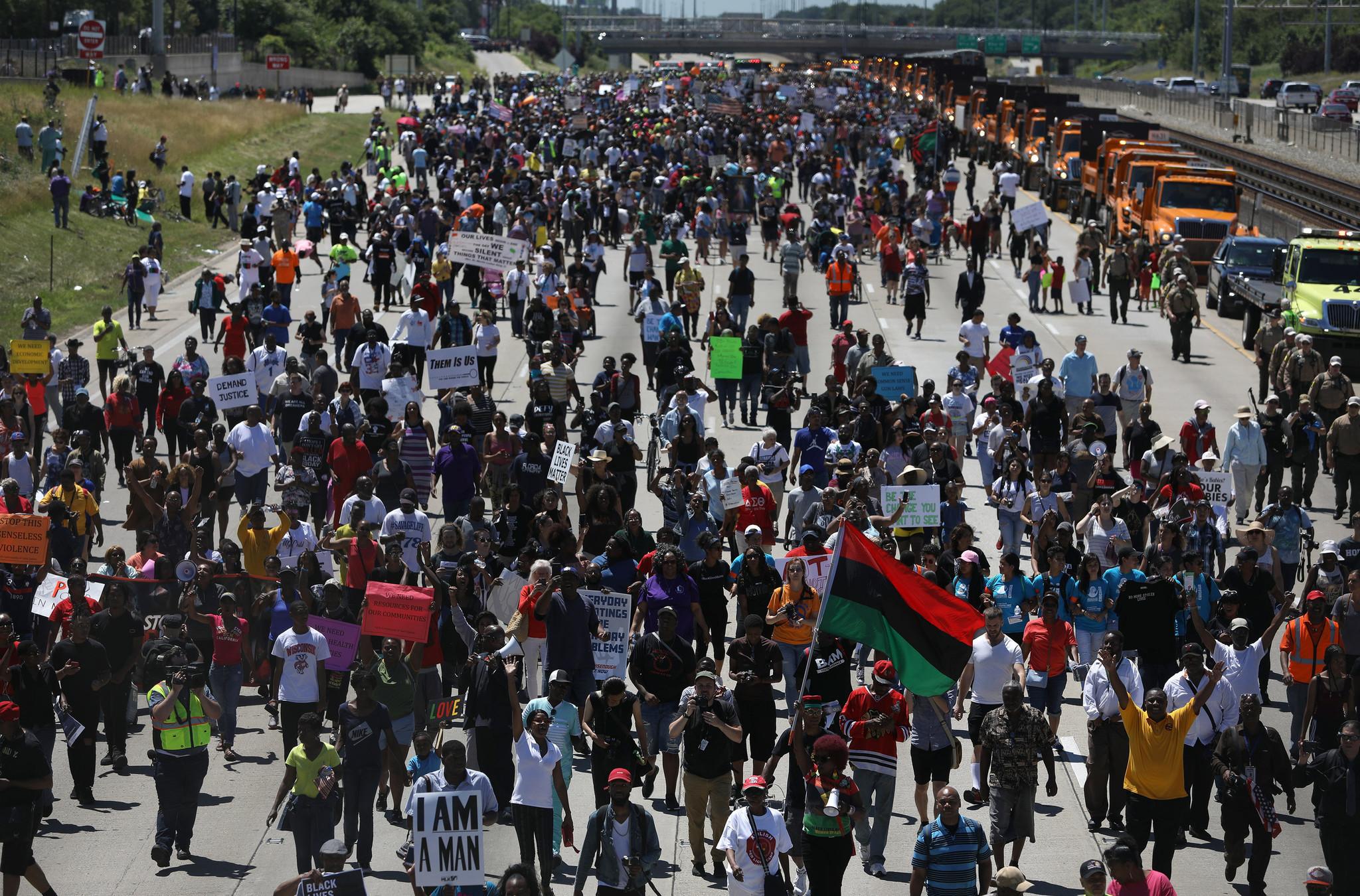 Anti-violence march at Dan Ryan Expressway