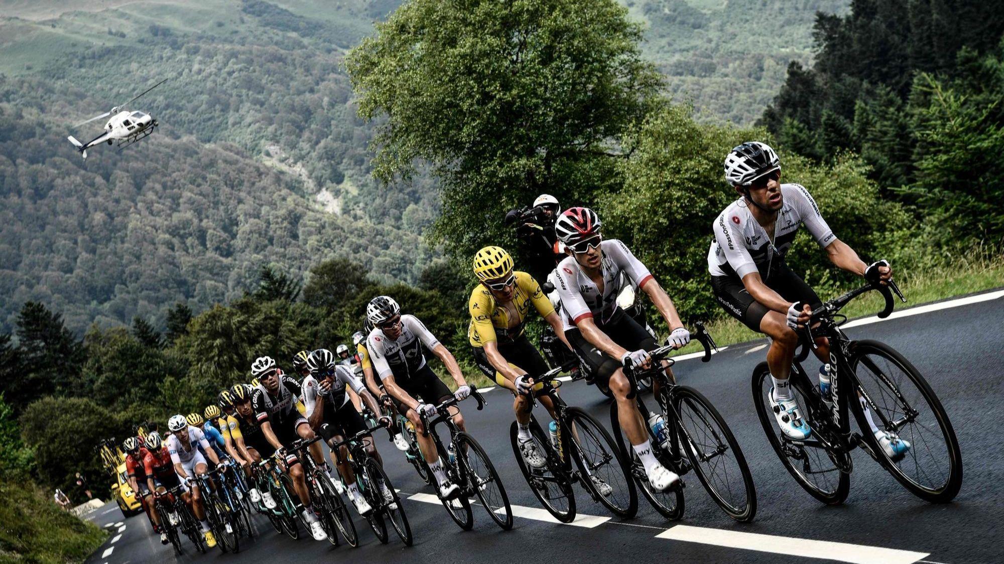 Geraint Thomas increases Tour de France lead as Chris Froome loses podium spot