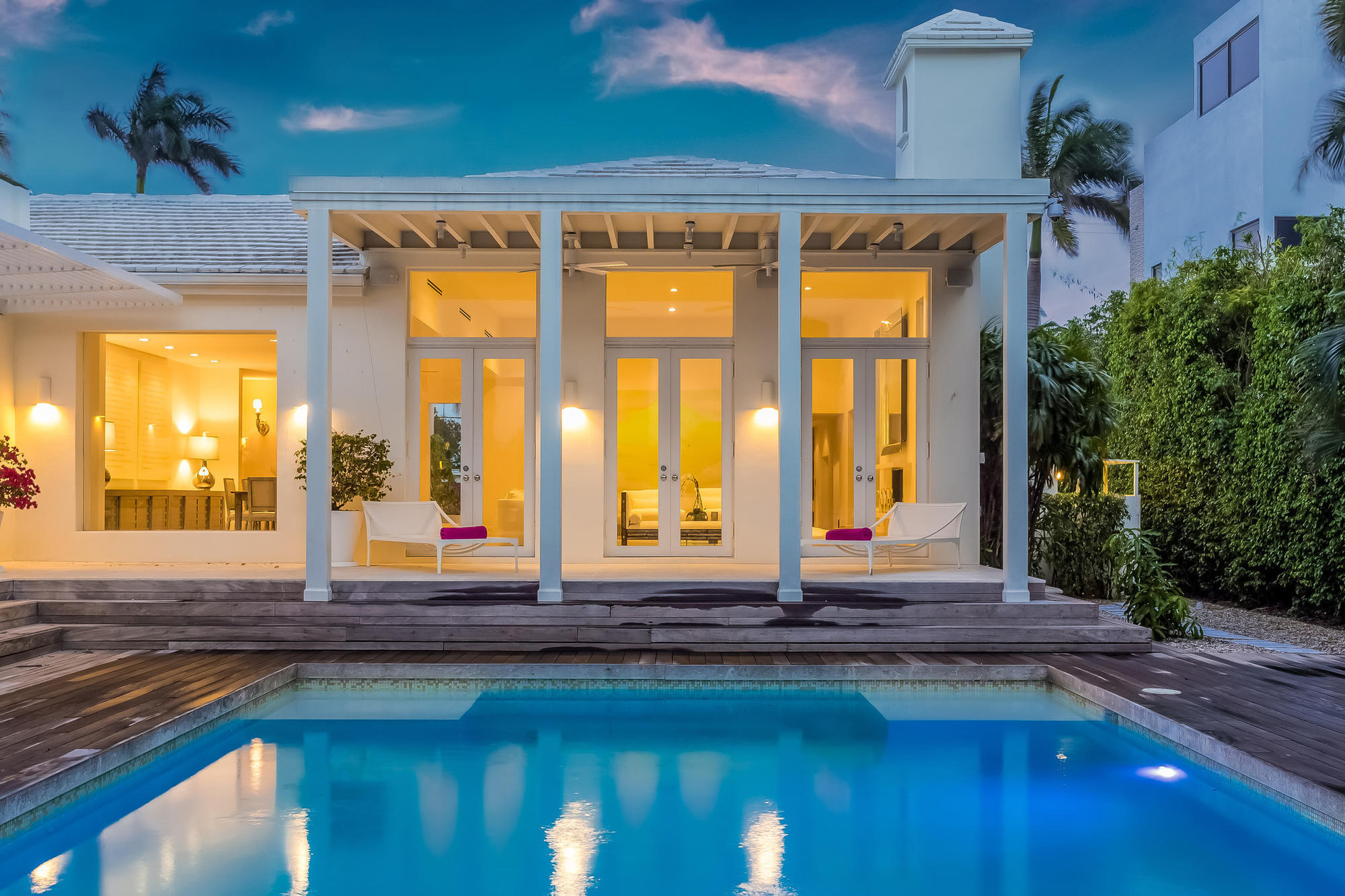 Shakira has offered for sale a villa 62