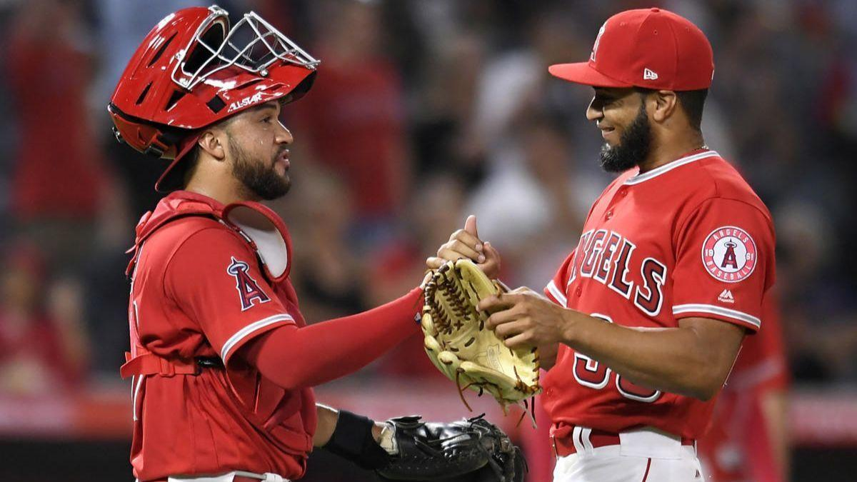 Ohtani's long blast in the first ignites Angels' 11-5 rout over Tigers
