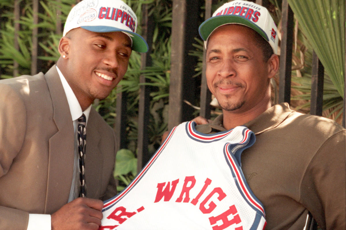 Lorenzen Wright joins Clippers