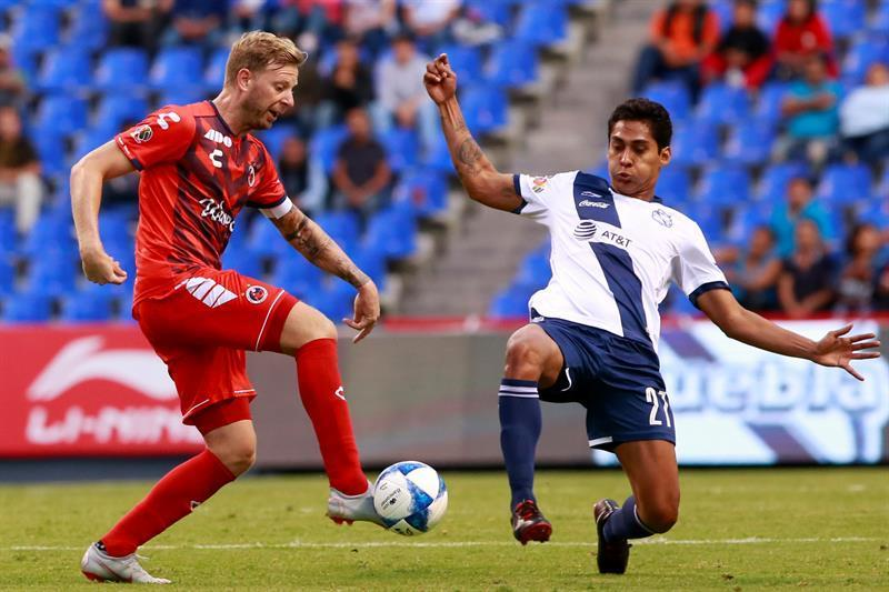 Argentino Menéndez scores two goals and gives Veracruz a win over Puebla