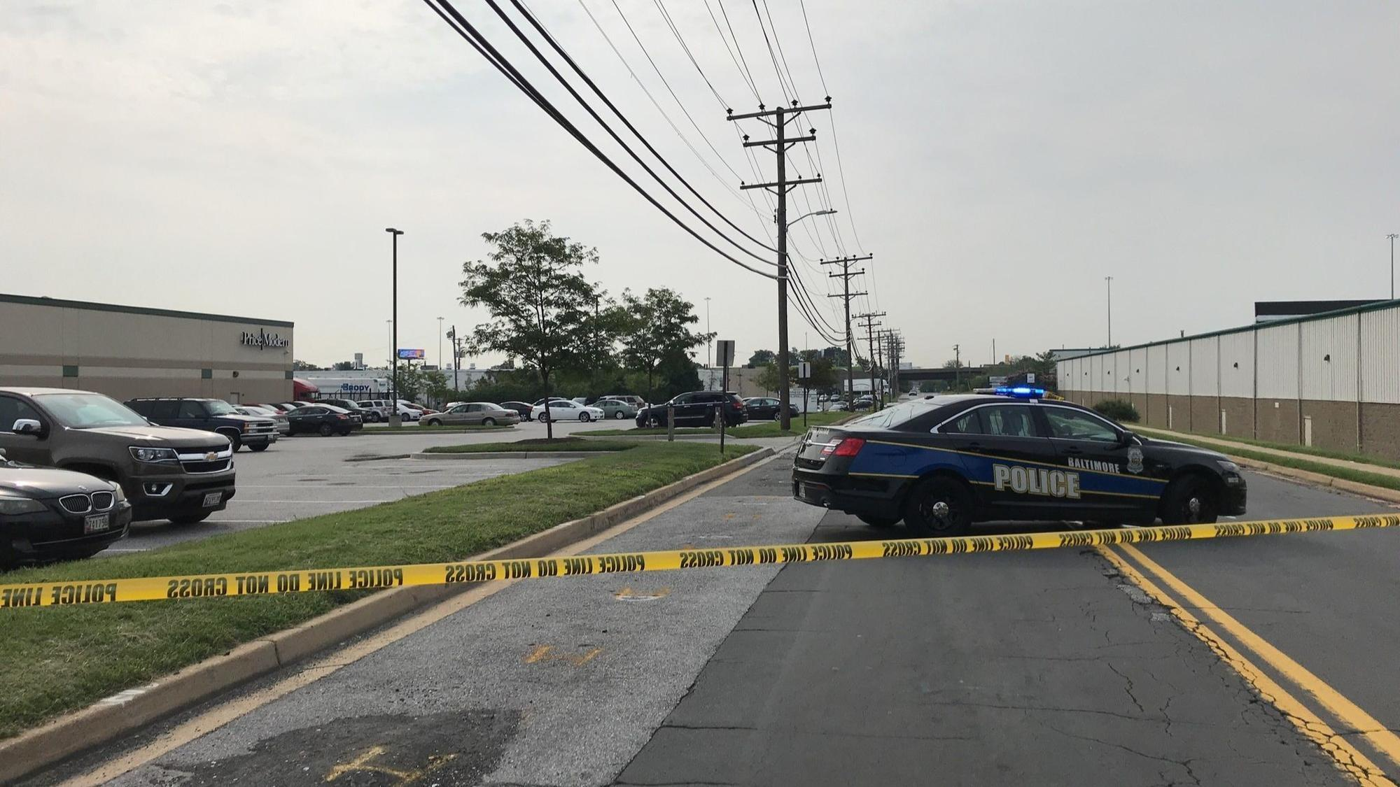 1 dead in double shooting outside Southwest Baltimore business park; police searching for suspect.