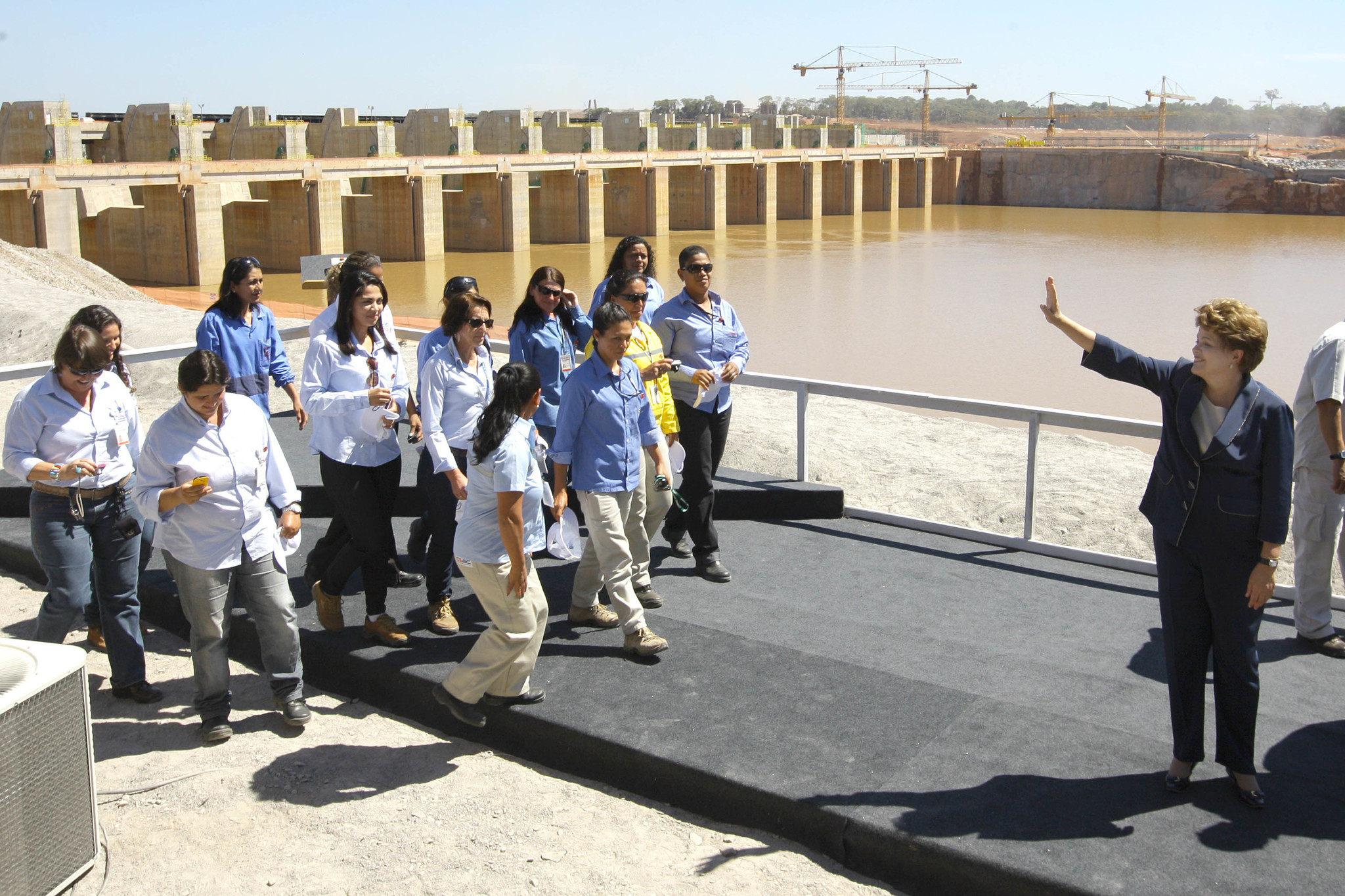 Rousseff at river diversion's ceremony
