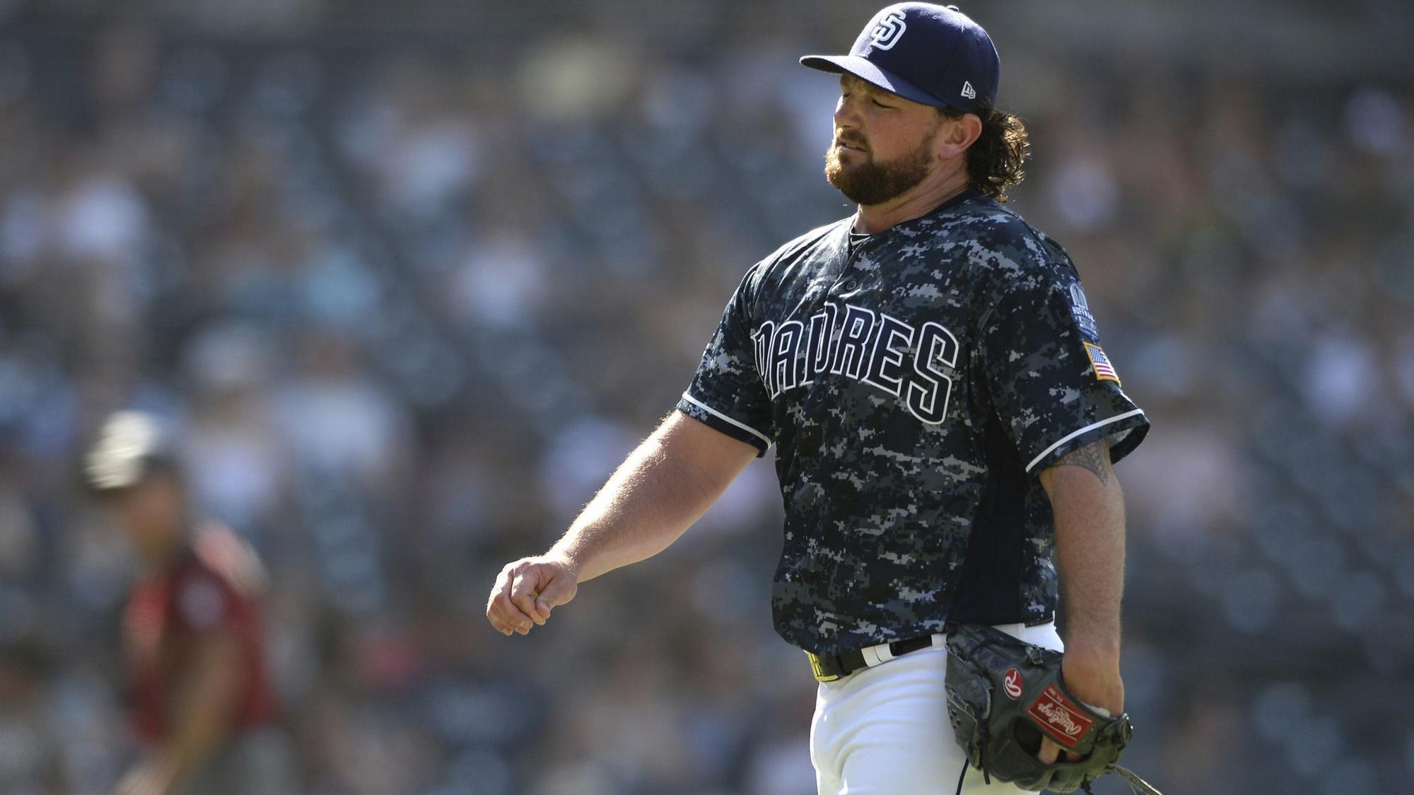 Sd-sp-dbacks-come-back-to-beat-kirby-yates-padres-20180819