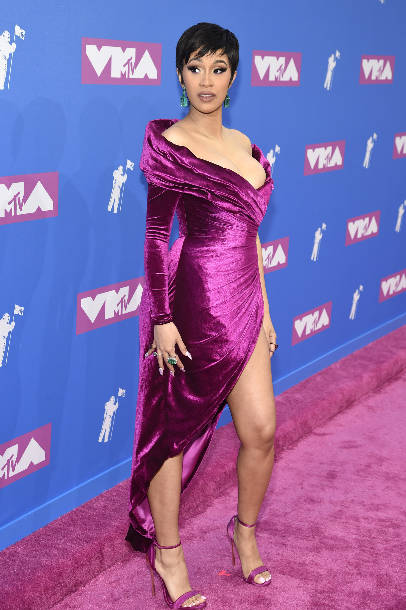 Vmas 2018 Best And Worst Red Carpet Looks At Mtvs Video Music