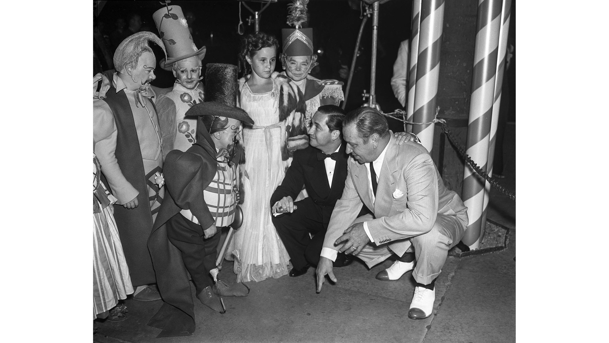 From the Archives: Munchkins at premiere of 'Wizard of Oz' | Los Angeles Times