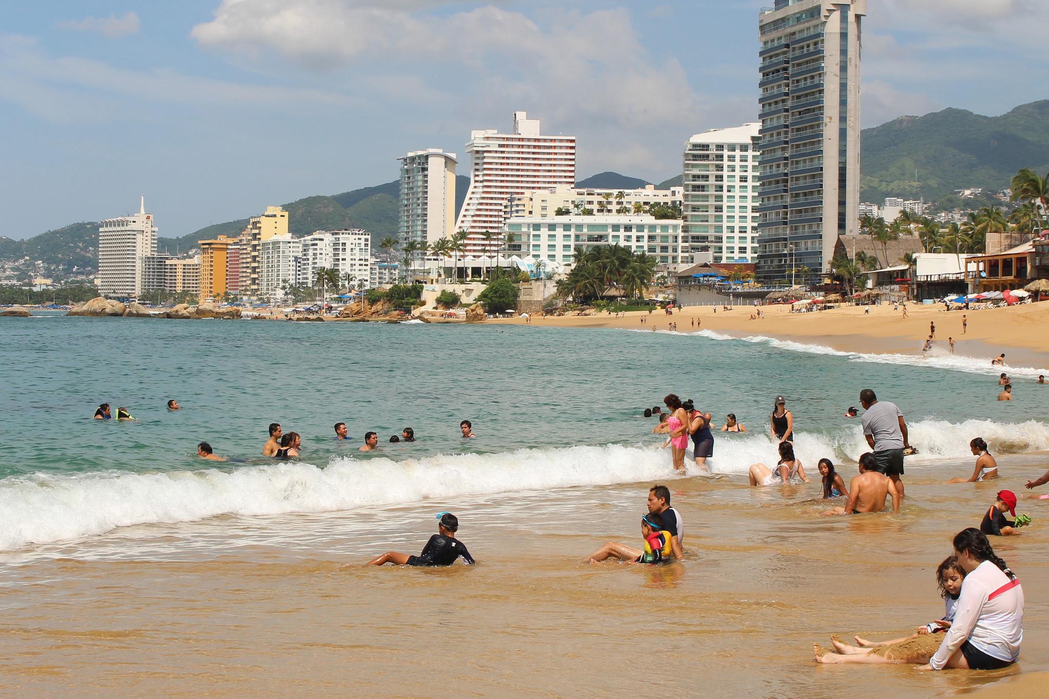 cancun still safe despite recent violence, say tourism officials