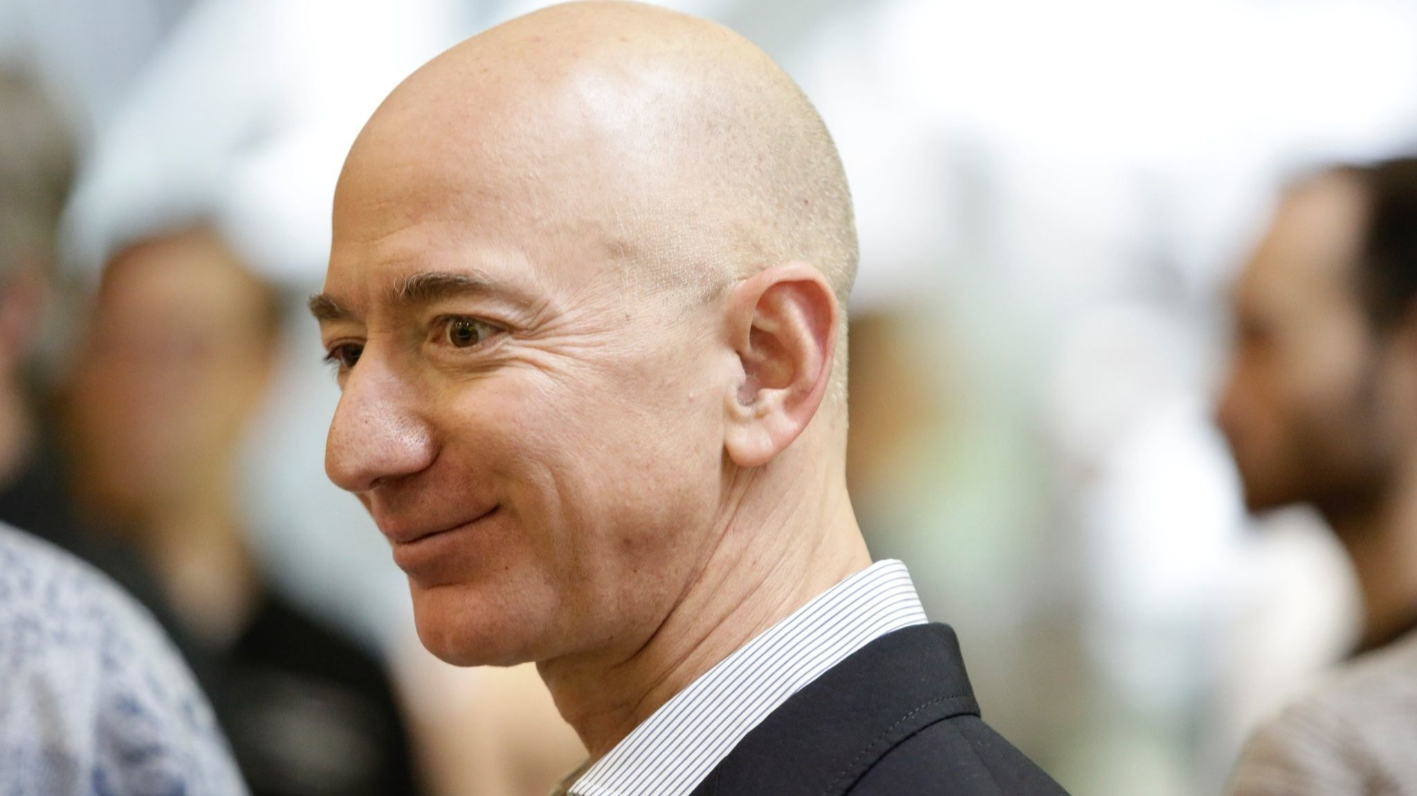 Tabloid CEO's lawyer denies National Enquirer tried to extort Amazon's Jeff Bezos