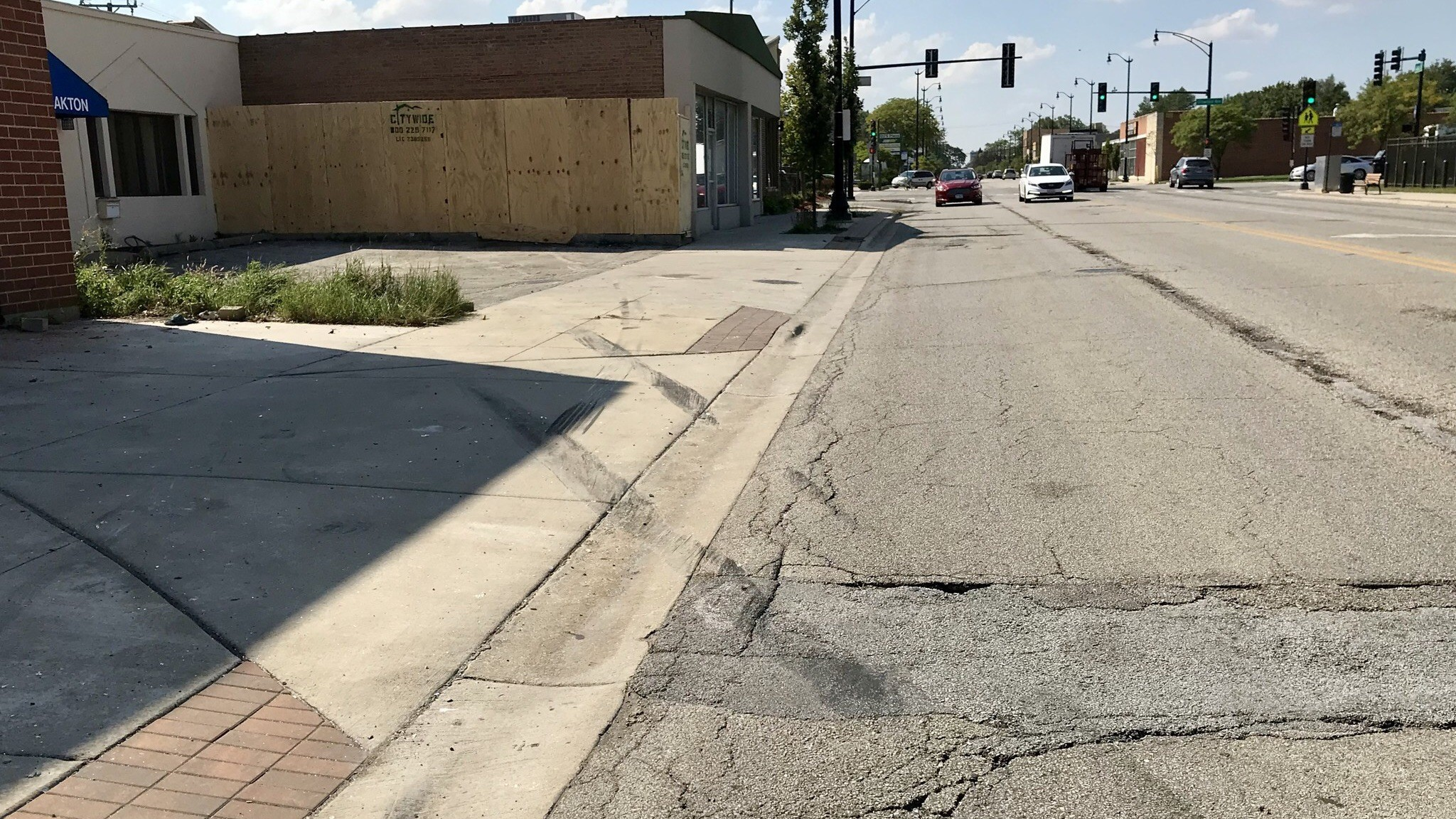 Corvette crashes into vacant Skokie building leaving driver hospitalized: Police | Chicago Tribune