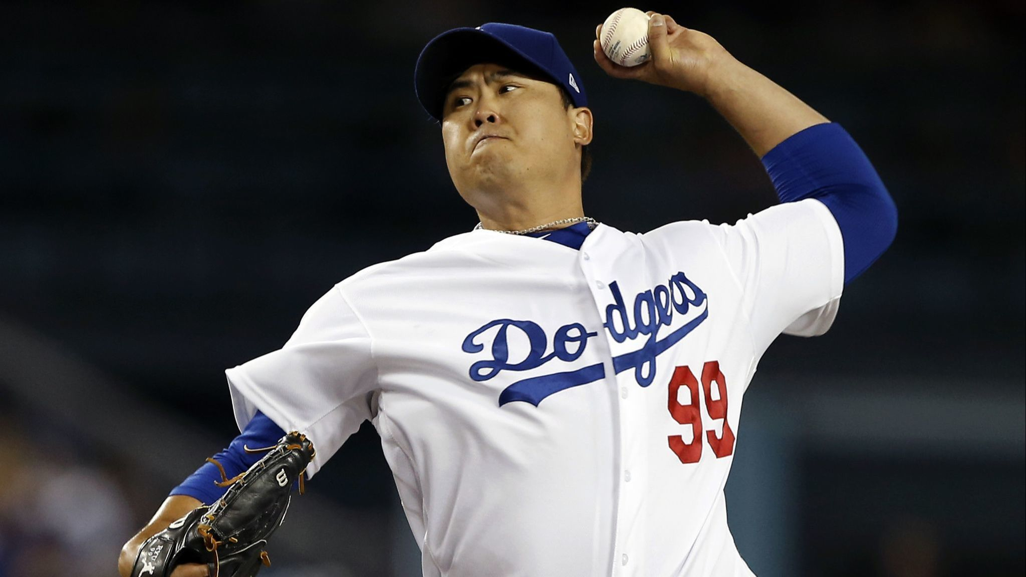 Hyun-Jin Ryu's seven scoreless innings are more than enough for Dodgers' offense as they cruise past Rockies for division lead