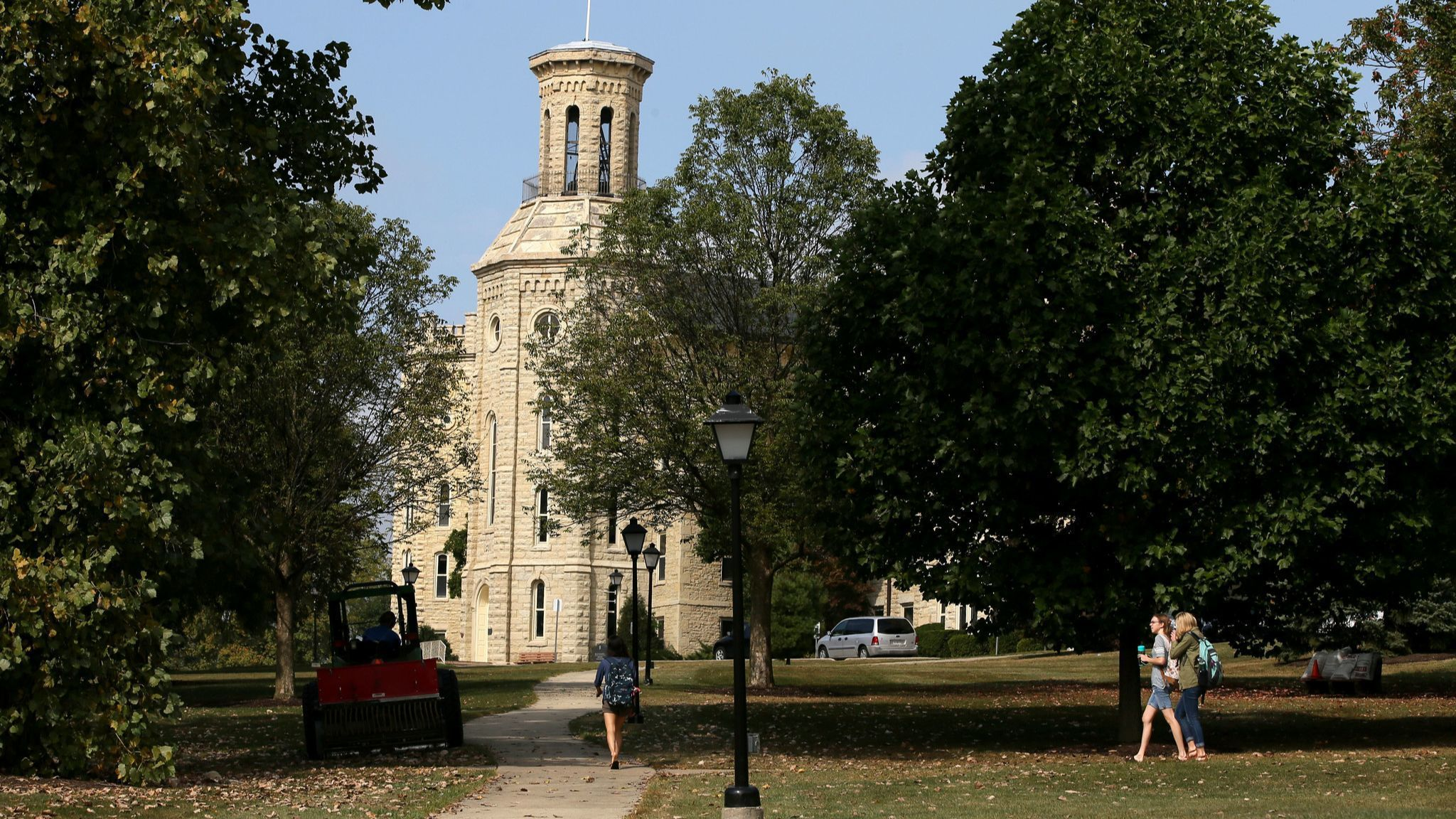 Settlement reached in lawsuit filed over Wheaton College football hazing incident | Chicago Tribune