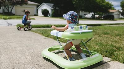 After thousands of injuries, doctors call for ban on infant walkers