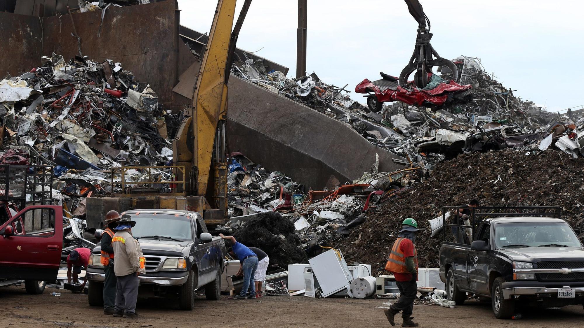 Emanuel aldermen block attempt to cut hours of troubled North Side scrap shredder