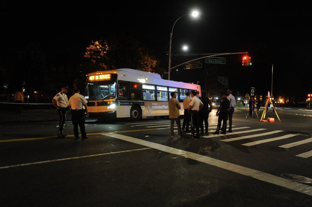Bus crashes into vacated building in Brooklyn   New York Daily News