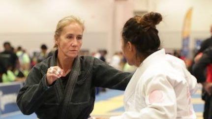 Glenview's Kristin Miller still enjoying life as a martial arts instructor