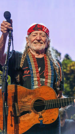 PICTURES: Farm Aid 2018, with Willie Nelson, Neil Young, John Mellencamp, Dave Matthews, Sturgill Simpson and more