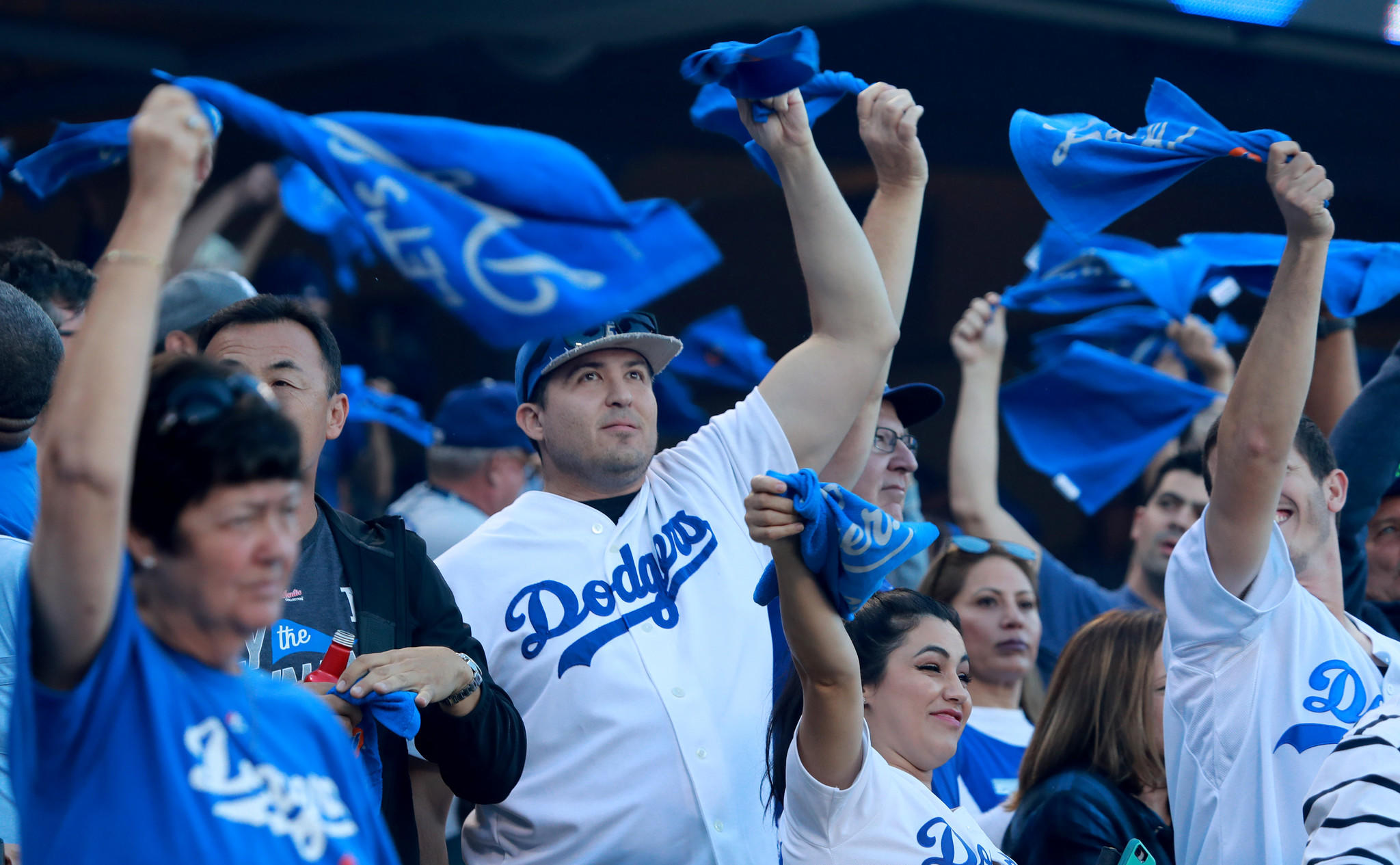dodgers advance nl championship series   milwaukee brewers los angeles times