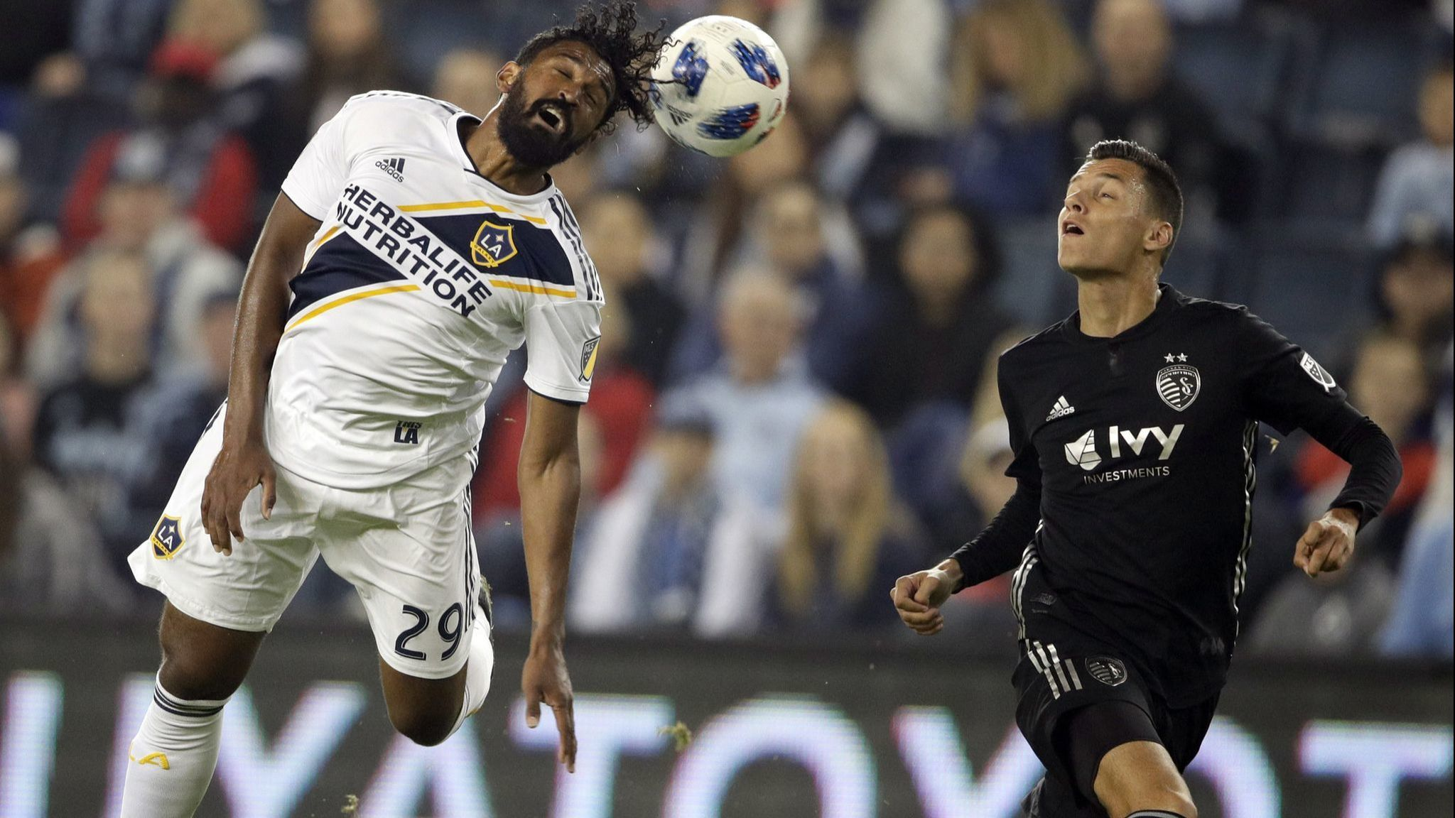 Galaxy pull a 1-1 draw with Sporting Kansas City