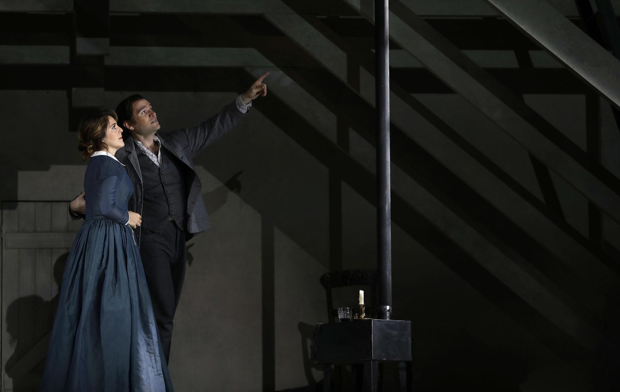 Lyric Opera Review A Sleekly Modern La Boheme Ennobled By Maria Agrestas Mimi