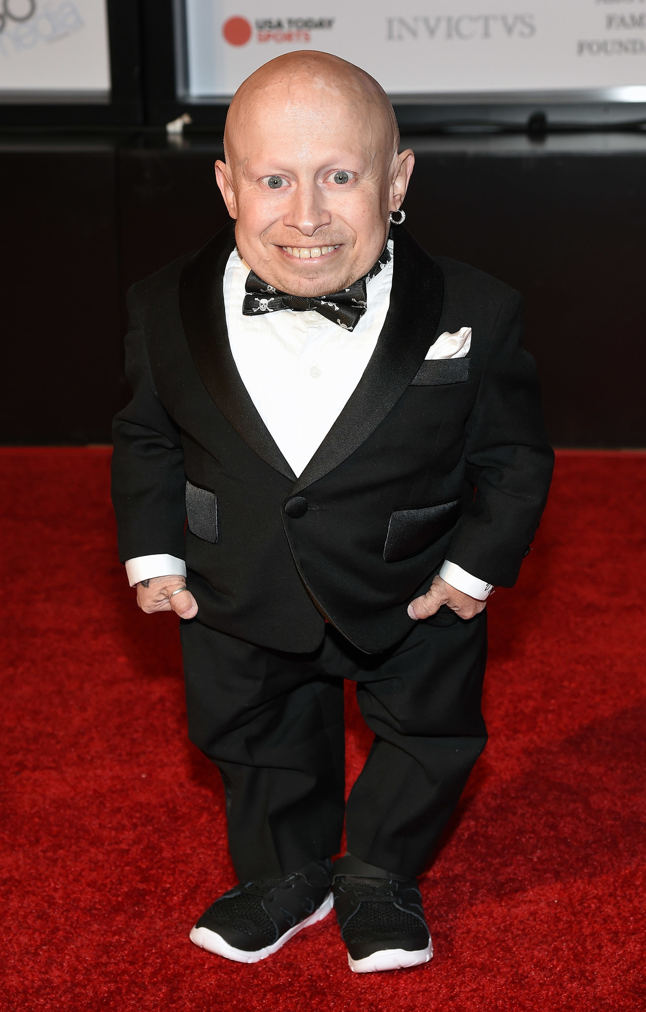 Coroner Verne Troyer Suicide By Alcohol Intoxication Chicago Tribune