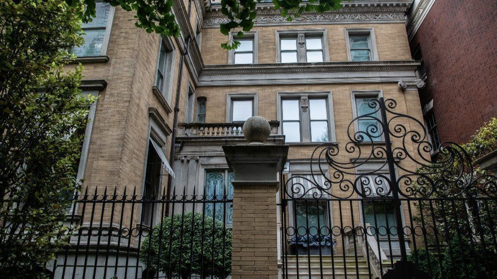 Labor-backed J.B. Pritzker used nonunion workers on Gold Coast mansion renovation