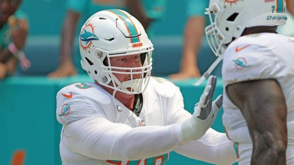 Fl-sp-dolphins-sam-young-20181015