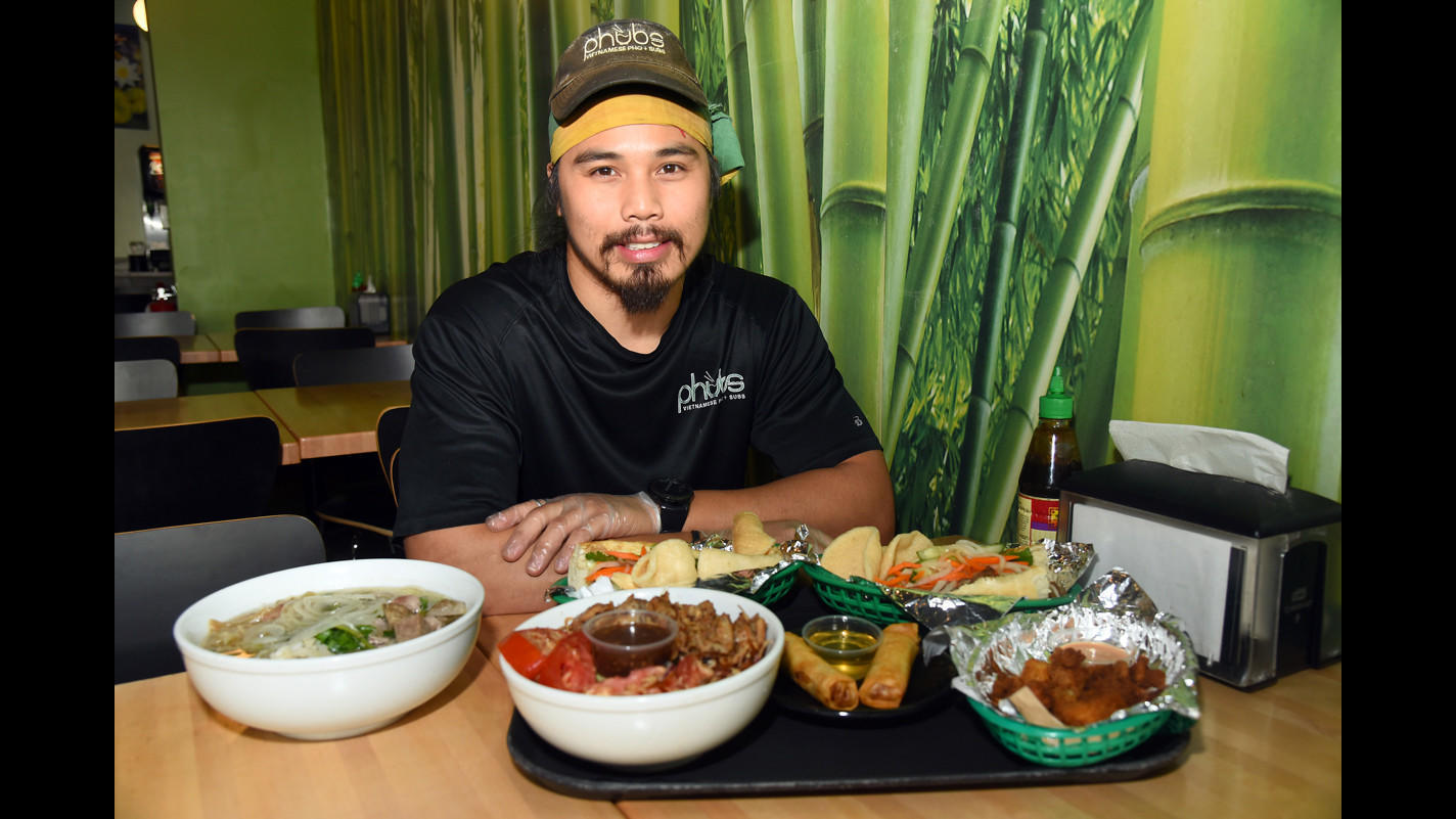Dining Out: Phubs' subs cure all hunger