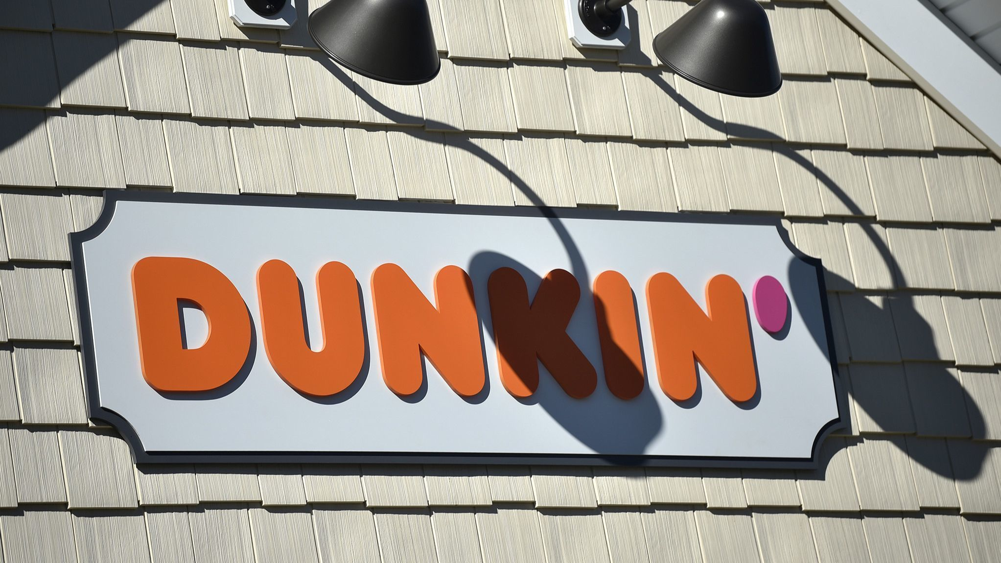 Take A Visual Tour Inside The New-Look Dunkin' Stores In Connecticut | Hartford Courant
