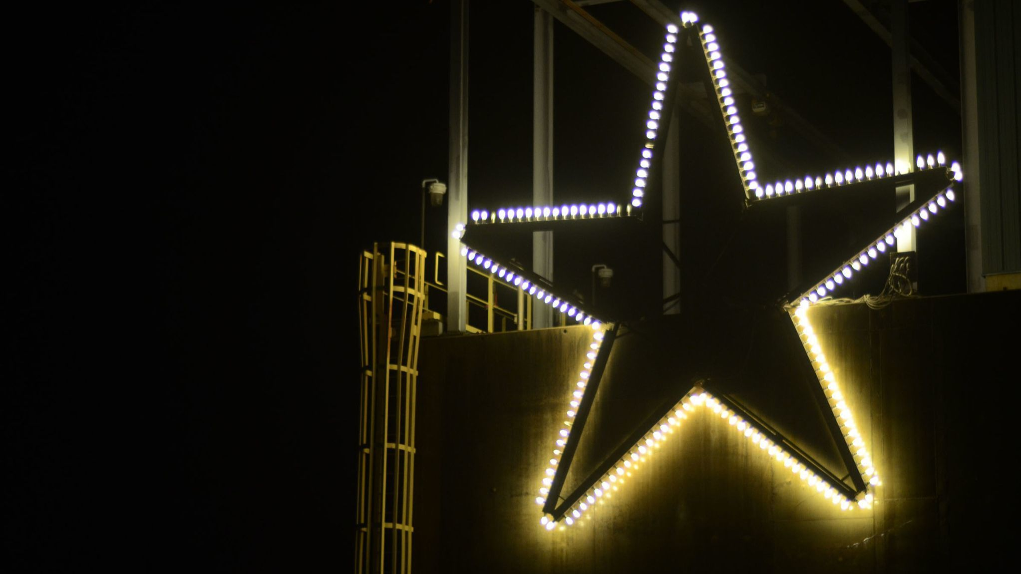 Sparrows Point's 'Star of Bethlehem' gets a new home this holiday season | Baltimore Sun