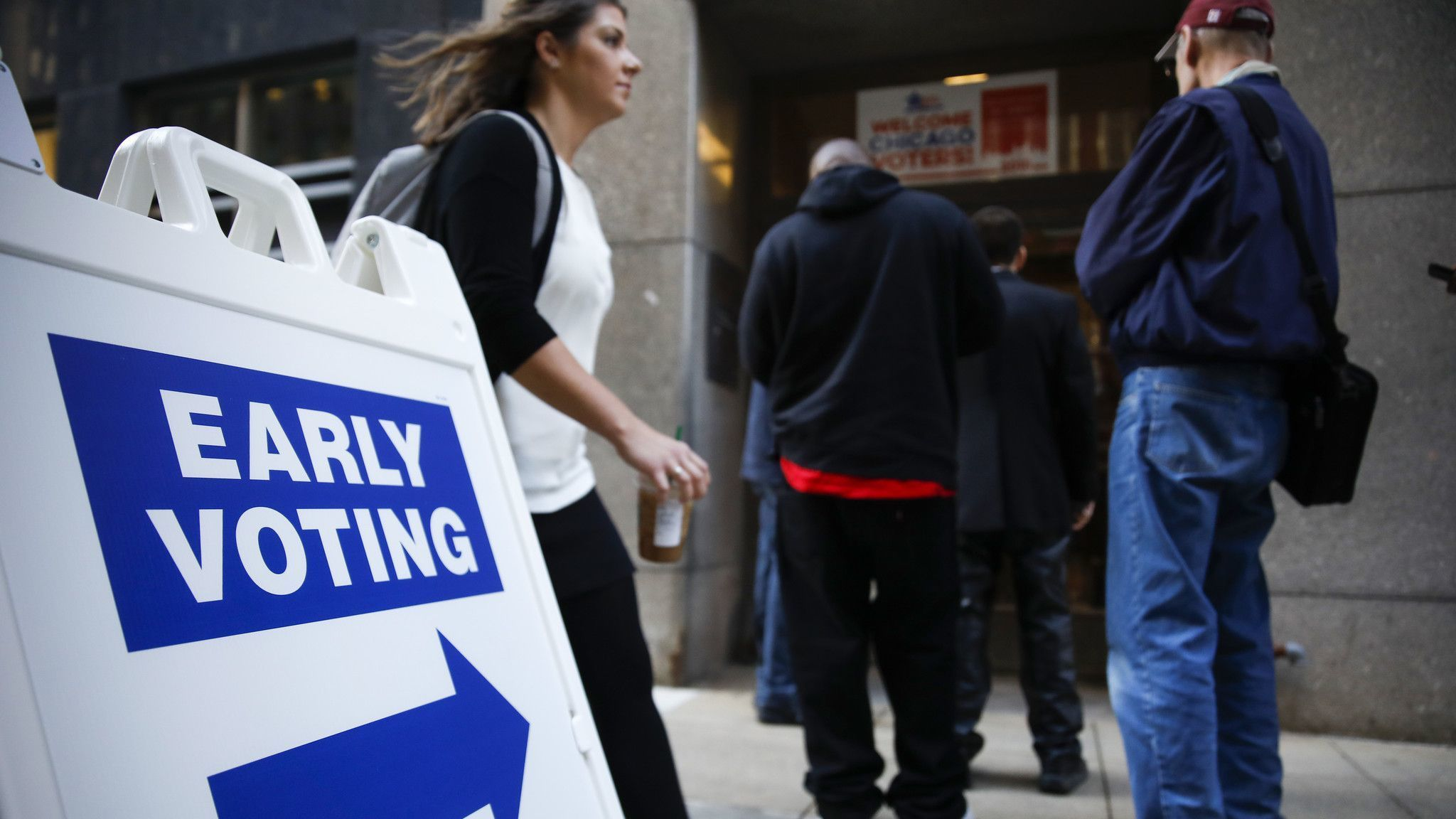 Early voting options expand across Chicago region, state on Monday: Here's what you need to know