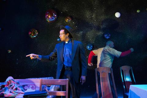 Ensemble membersGregory FennerandJohn KellyConnollyinCosmologiesat the Gift Theatre.