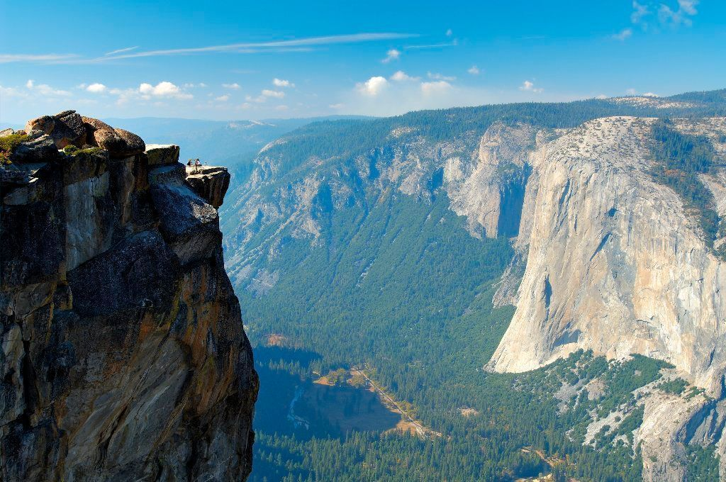 Couple who fell to their deaths from Yosemite scenic overlook were intoxicated, autopsy shows